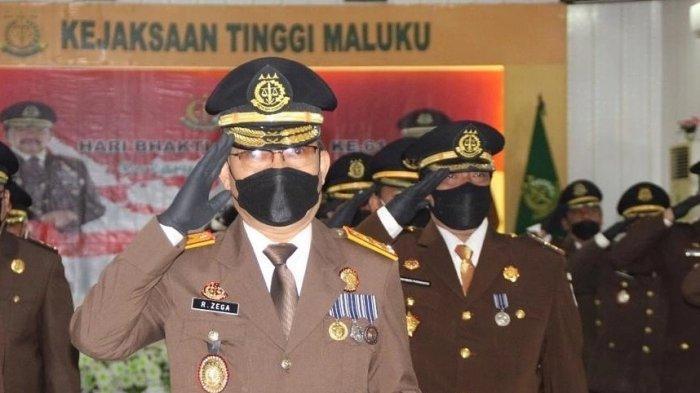 Siapa Rorogo Zega; Kajati Maluku yang Dipromosi Jadi Intelijen Ekonomi dan Keuangan Kejagung - rorogo_zega_kajati-maluku_2020-2021.jpg