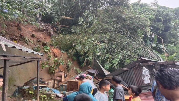 Rumah di Tanah Rata Ambon Ambruk Tertimpa Longsor, Warga di Sekitar Tebing Sudah Peringatkan