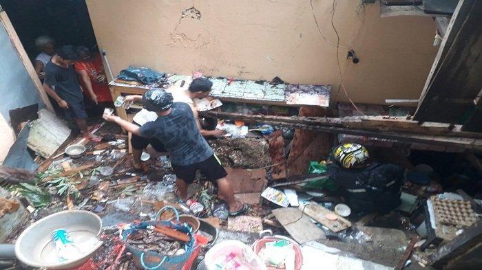 Hujan Deras, Dua Rumah Warga di Ambon Rusak Akibat Tanah Longsor