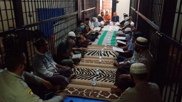 Napi di Rutan Polres Pulau Buru Khatam Al Quran, Kapolres; Rutan Bukan Tempat Menyeramkan