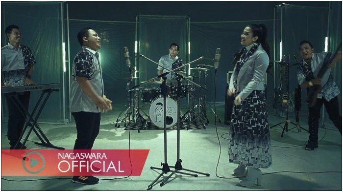 Chord Kunci Gitar dan Lirik Lagu Sakit Tak Berdarah - Wali ft Fitri Carlina dengan Link Download MP3