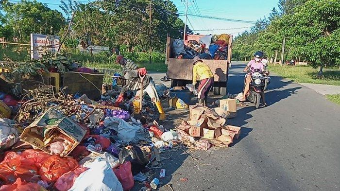 Tumpukan Sampah di Kota Namlea Mulai Diangkut, Hentihu Pastikan Selesai Sebelum Subuh