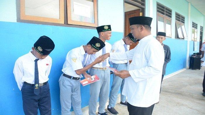 Cara Cek Penerima Program Indonesia Pintar, Bantuan untuk Siswa SD, SMP & SMA
