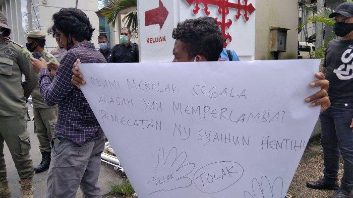 Mahasiswa Kembali Desak Gubernur Maluku Pecat Istri Kedua Bupati Buru