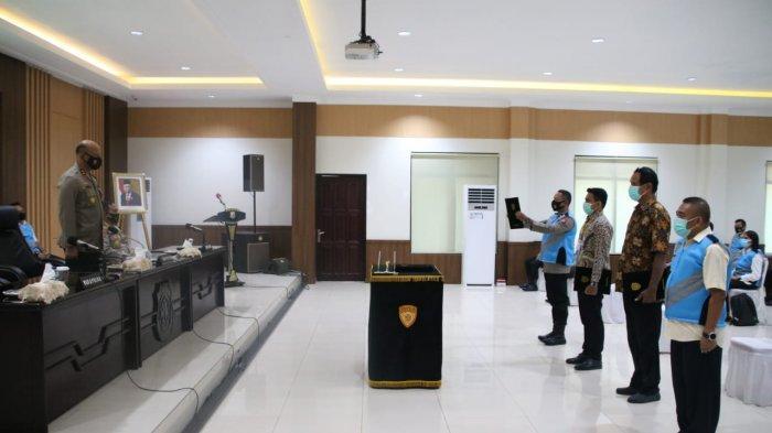 Kapolda Maluku Larang KKN saat Penerimaan Anggota Polisi Bergelar Sarjana