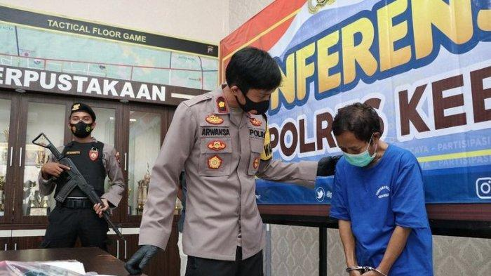 SL (44) saat diinterogasi oleh Polres Kebumen