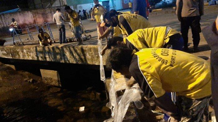 Bawa Sopi 80 Liter, Polisi Amankan 3 Buruh di Pelabuhan Yos Sudarso Ambon