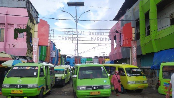 Keberadaan PKL Bikin Pasar Mardika Ambon Semrawut, Supir Angkot Mengeluh