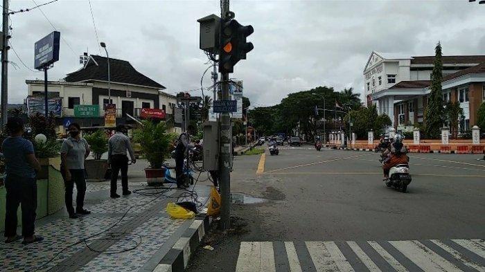 Sebulan Rusak, Traffic Light di Jalanan Kota Ambon Mulai Diperbaiki