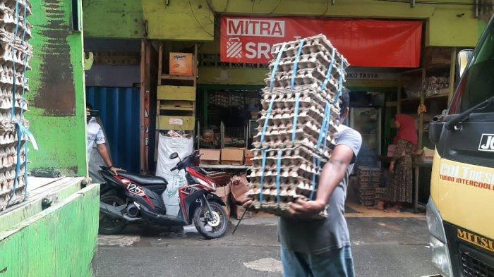 Nyaris Kosong Usai Lebaran, 15 Kontainer Telur Sudah Didistribusi ke Pasar Mardika