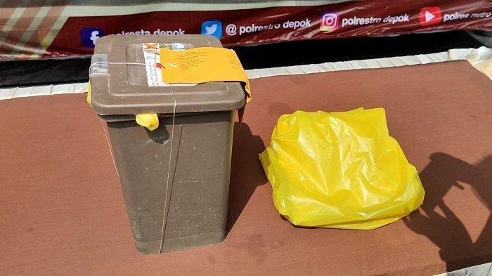 Tempat sampah yang digunakan pelaku untuk membuang bayi
