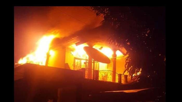 Rumah Mantan Anggota DPRD Maluku Tengah Ludes Terbakar, Termasuk Satu Unit Sepeda Motor
