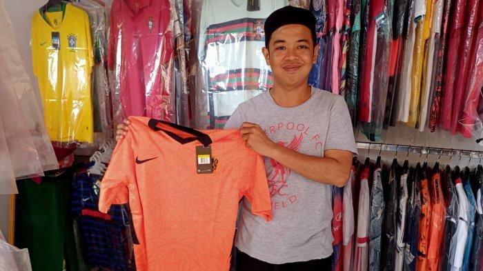 Demam Euro 2020 di Ambon, Penjualan Jersey Meningkat