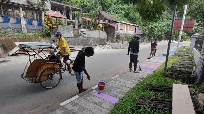 Batal Diganti Keramik, Trotoar di Jl Sultan Hassanudin Dicat Warna- Warni