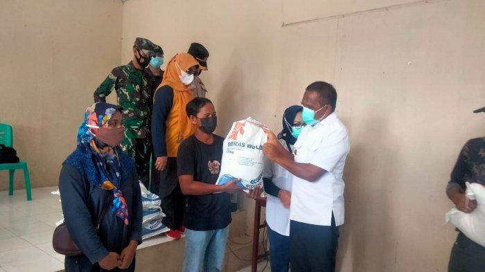 Hampir 40 Ribu Warga Maluku Tengah Terima Beras PPKM Hari Ini