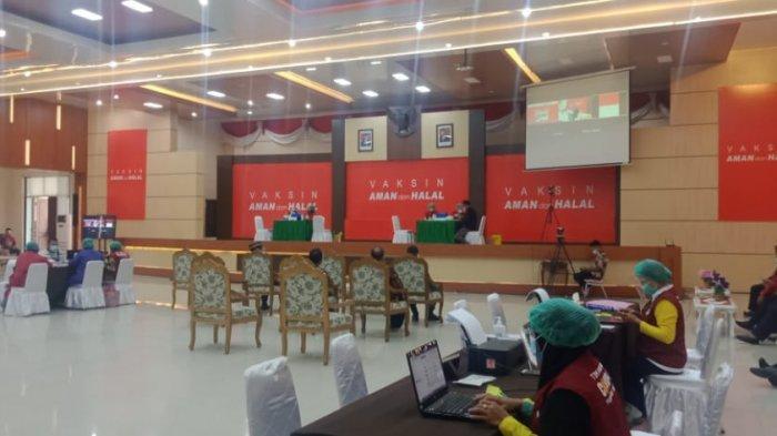 Batal Ditinjau Jokowi Secara Virtual, Vaksinasi Tahap Kedua di Namlea Tetap Jalan
