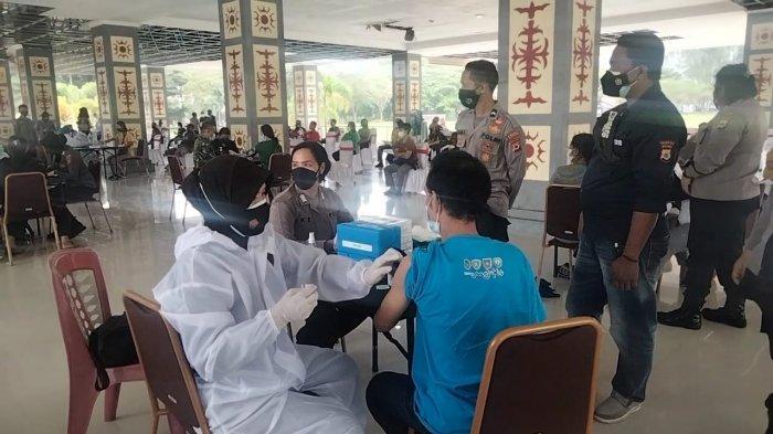 Besok, Pedagang hingga Tukang Ojek di Pasar Binaiya akan Disuntik Vaksin