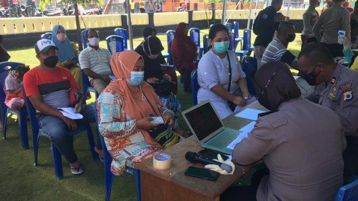 Polres Pulau Buru Gelar Vaksinasi Tahap Pertama di Kecamatan Airbuaya