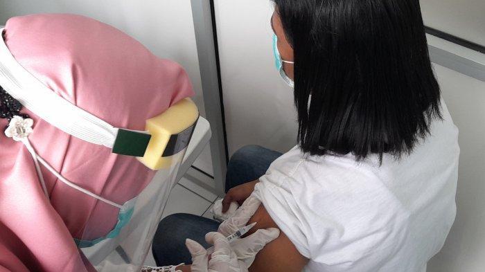 Sistem Error, Hanya 1 dari 15 Paramedis Lolos Vaksinasi di Puskesmas Tawiri di Ambon