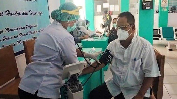 10 Tenaga Medik dan Paramedik di Puskesmas Taar Tual Terima Vaksinasi Dosis Kedua
