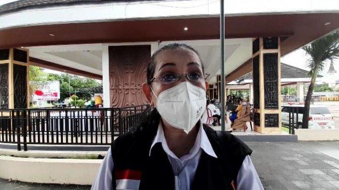 Kepala Dinkes Kota Ambon, Wendy Pelupessy  ketika diwawancarai TribunAmbon.com di Tribun Lapangan Merdeka, Jalan Slamet Riyadi, Sirimau, Kota Ambon, Selasa (25/5/2021).