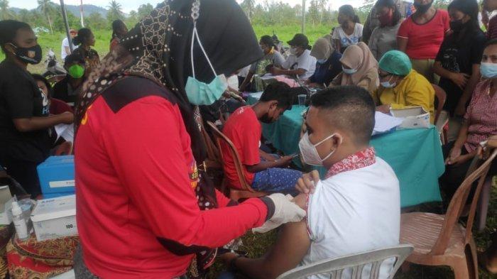 Kejar Target 70 Persen Herd Imunity, Polres Maluku Tengah Sasar Warga di Pedesaan