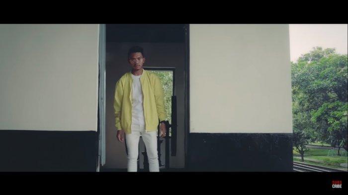 Chord Lagu Ambon Vicky Salamor - Galau Lagi, Kunci Gitar dari C: Se Biking Beta Galau Lagi