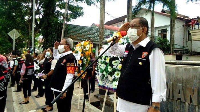Pemkot Ambon Berduka, Satu ASN Meninggal Akibat Corona, Wali Kota Lepas Penghormatan Terakhir