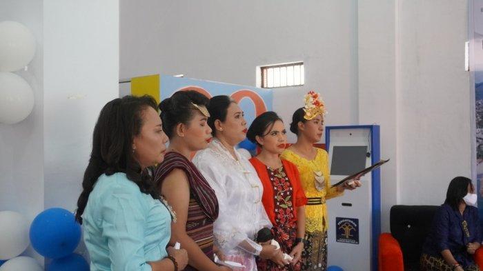 Warga binaan merayakan Hari Kartini di Lapas Perempuan Kelas III Ambon, Jalan Laksdya Leo Wattimena, Negeri Lama, Baguala, Kota Ambon, Rabu (21/4/2021).
