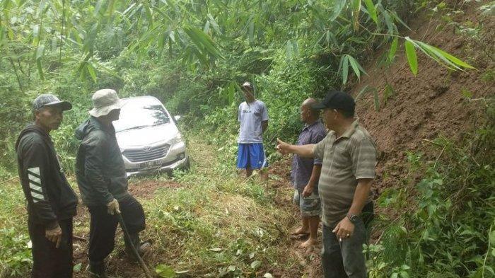 Mobil Tersesat di Hutan Gunung Putri di Malam Jumat, Sopir: Belok karena di Depan Ada Jurang