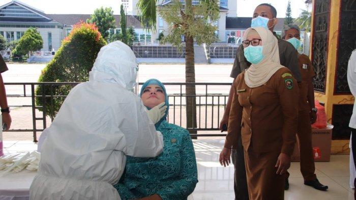 Terobosan Istri Murad Ismail, Gratiskan 2000 Rapid Antigen DriveThru di Ambon Dimulai Akhir Februari