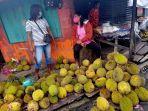 1572021-pedagang-durian.jpg