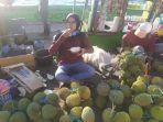 1972021-buah-durian.jpg