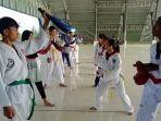 3182021-atlet-taekwondo-kabupaten-buru.jpg