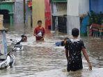 banjir-setinggi-15-meter-menggenangi-sejumlah-rt-di-kampung-makasar-jakarta-timur.jpg