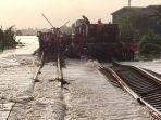 begini-kondisi-rel-yang-terendam-banjir.jpg