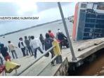 kapal-ferry-bili-yang-terbalik-di-dermaga-perigi-piai-sambas.jpg