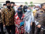 keluarga-dari-enam-laskar-front-pembela-islam-fpi.jpg
