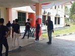 mahasiswa-di-namlea-demo.jpg