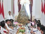 presiden-jokowi-menyampaikan-arahan-pada-sidang-kabinet-paripurna-perdana.jpg
