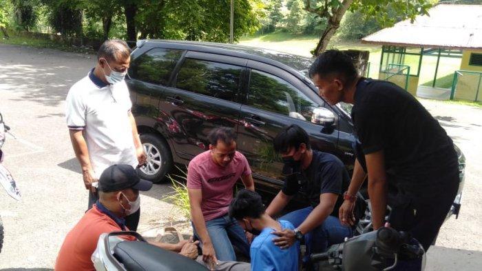 Tim Kalong Satresnarkoba Polres Pangkalpinang tangkap, Sufiani alias Yayan (31) di Jalan lapangan Golf, Bukit Besar, Girimaya, Pangkalpinang, Senin (21/6/2021)