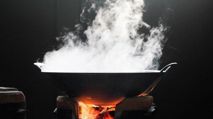 Istri Siram Minyak Panas ke Tubuh Suami, Diduga Merasa Kesal Diminta Mengoreng Ikan