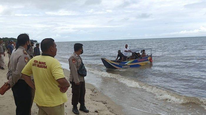 Tubuh Hakim Akhirnya Ditemukan, Sila Lihat Suaminya Minta Tolong Saat Ditarik Buaya ke Tengah Laut