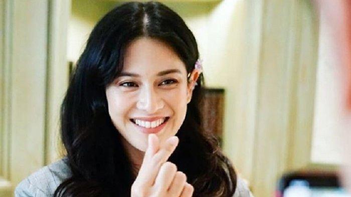 Aktris Dian Sastrowardoyo dalam sesi M-Class Diskusi Perfilman, Jumat (18/9/2020) mengatakan, industri film di Indonesia belum dipandang sebagai sektor yang menguntungkan.
