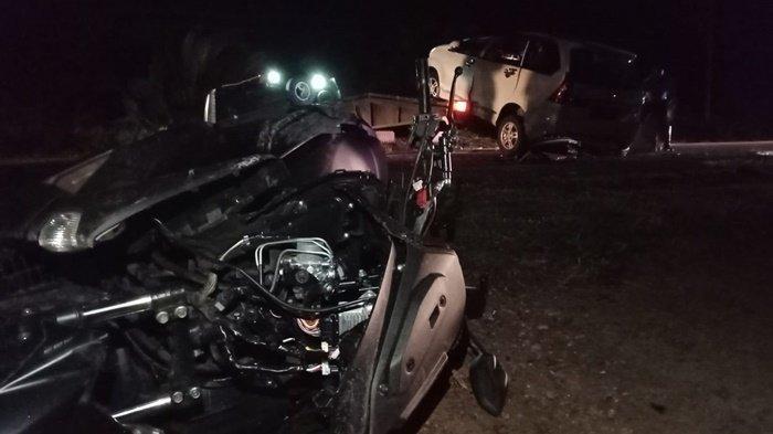 Detik-detik Kecelakaan Maut di Arung Dalam Koba, Xenia Pecah Ban Hantam Trotoar Lalu Kena NMax