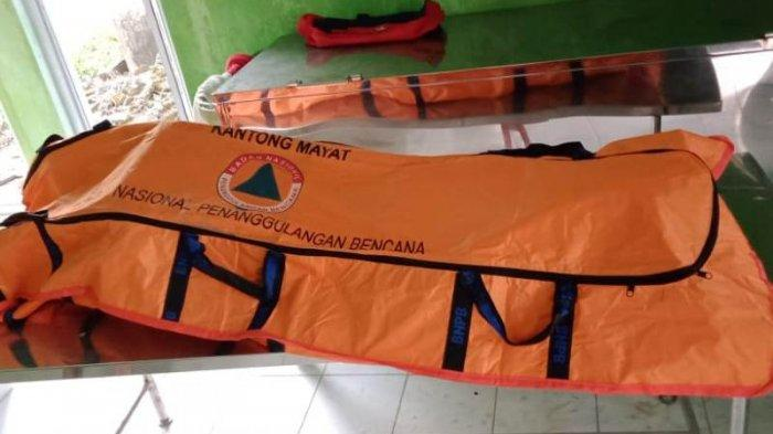 Sesosok mayat laki-laki tanpa identitas ditemukan di Kolong Retensi, Kelurahan Pintu Air, Rangkui, Pangkalpinang, Minggu (2/5/2021) sekitar pukul 16.00 WIB.