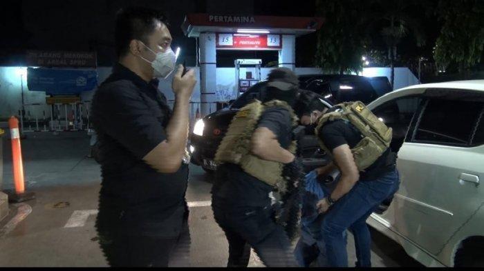 Kronologis Penangkapan Sindikat Pencuri Gasak Barang Berharga DI SPBU