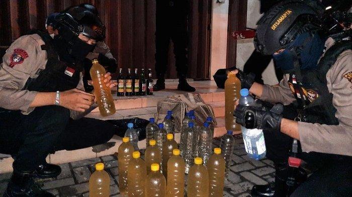 Polisi Grebek Toko Kelontongan, Pelaku Jual Miras Dijerat Tipiring