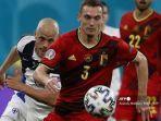 bek-belgia-thomas-vermaelen-mengejar-bola-selama-pertandingan-sepak-bola-grup-b-uefa-euro-2020.jpg