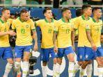 para-pemain-timnas-brasil-saat-harus-menerima-keputusan-wasit-yang-menganulir-gol.jpg